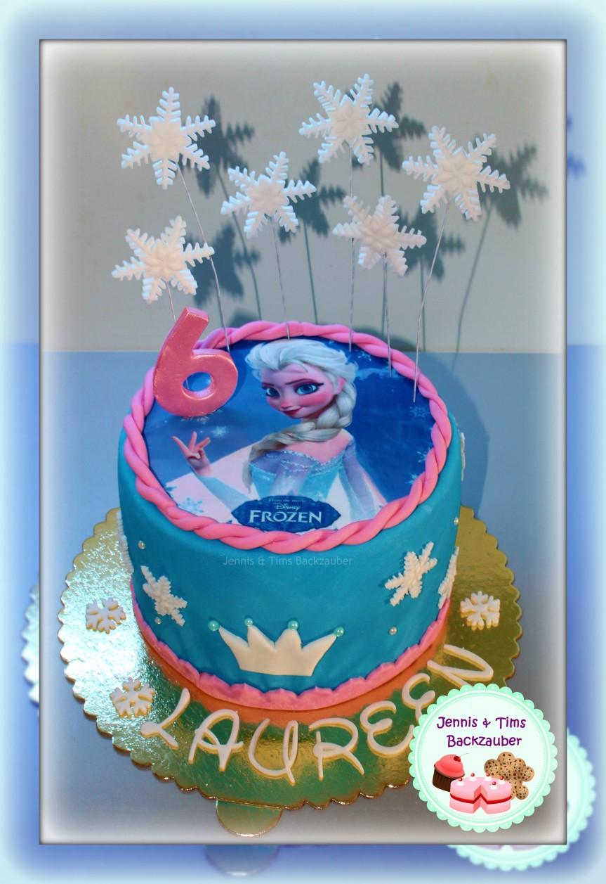 Elsa Rainbowcake mit Tortenaufleger «innen mitSmarties»
